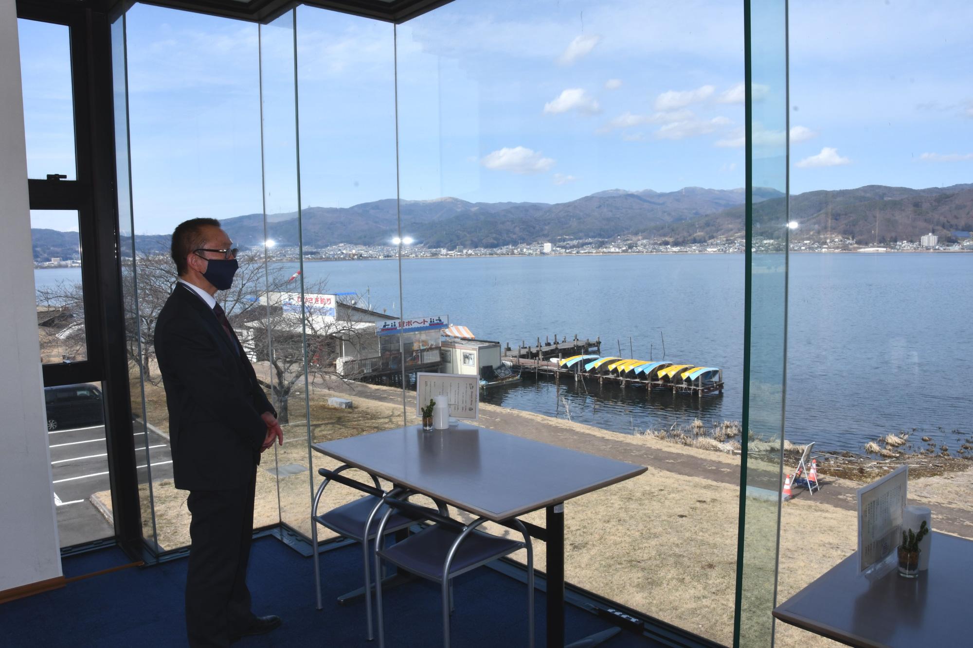 原田泰治美術館でリモートワークを 諏訪湖一望の有料スペース新設